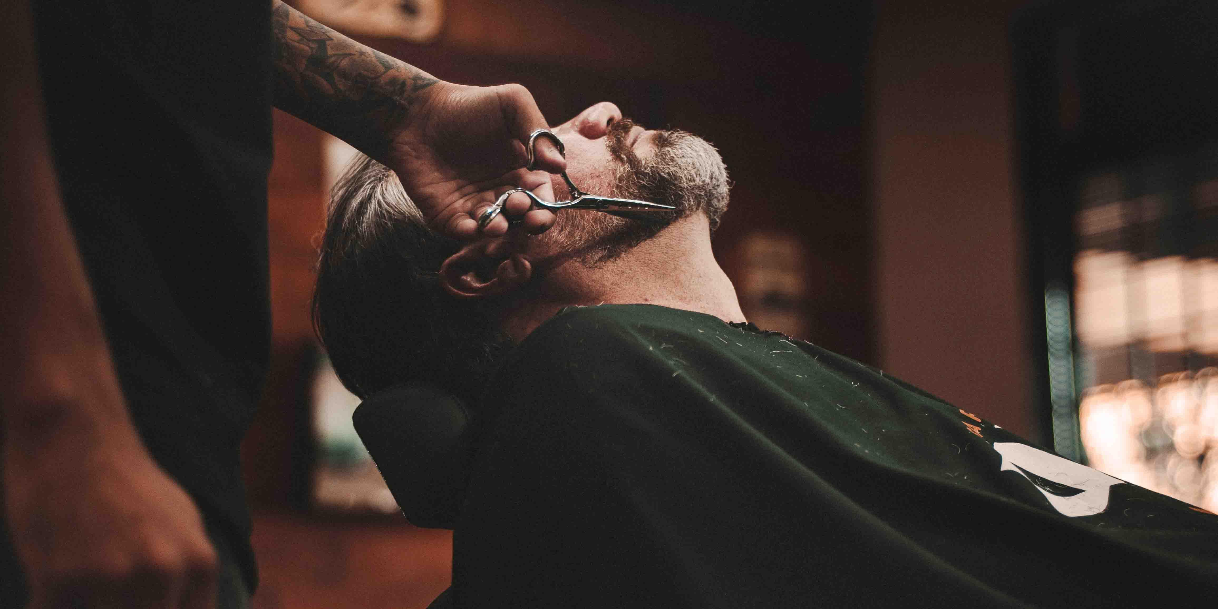 """Картинки по запросу """"Чому чоловіки відмовляються від перукарень на користь барбершопу?"""""""