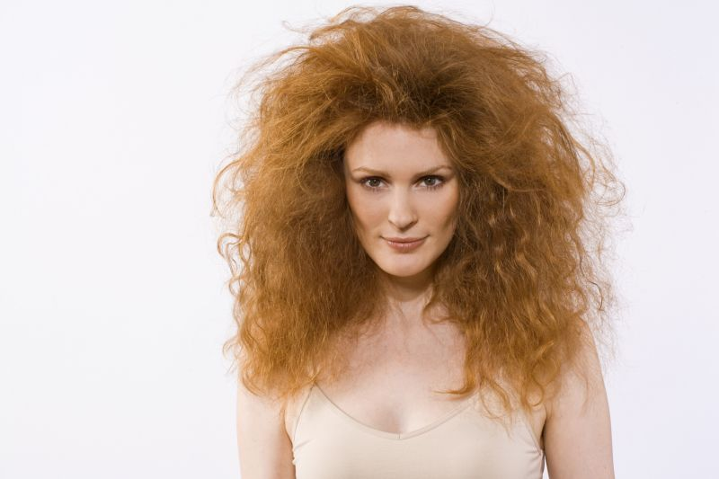 Поврежденные волосы после завивки